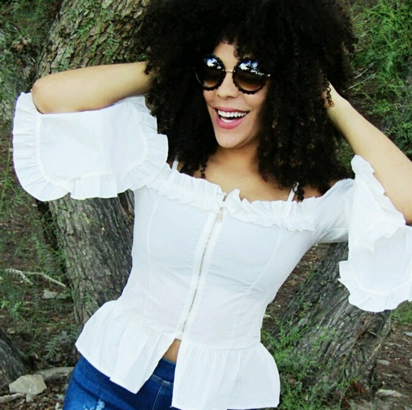 Tops - White off the shoulder blouse